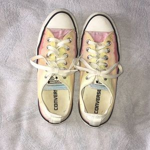 """sunset"" Converse size is 7 in women's"